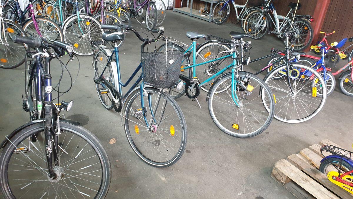 Kleine Damenräder gesucht!